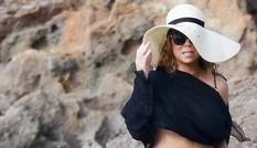 Mariah Carey tự tin diện bikini hàng hiệu sau khi giảm 20kg