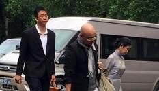 Bản tin 14h: Người phụ nữ 'bí ẩn' cạnh ông Đặng Lê Nguyên Vũ là ai?