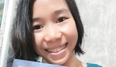 Cô gái khuyết tật mở thư viện miễn phí, học trò nghèo Êđê nhường xe cho bạn