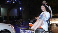 Angela Phương Trinh ngồi xích lô đi xem thời trang