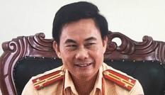 Luân chuyển công tác Phó phòng CSGT Đồng Nai ký giấy mời tài xế