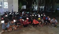 Hàng chục cảnh sát vây bắt 'quái xế' trên quốc lộ