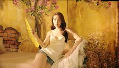 Sau 'Cung đàn vỡ đôi', Chi Pu lại 'gây bão' khi tung trailer MV mới cực nóng bỏng