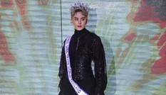 Hoa hậu chuyển giới Thái Lan xuất hiện với hình hài đàn ông khi trao lại vương miện