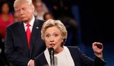 Ảnh ấn tượng trong cuộc tranh luận thứ 2 của Trump và Clinton