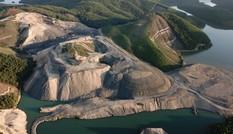 Đại công trường khai thác than trái phép: Chính quyền làm ngơ?