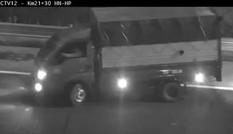 Kinh hãi tài xế xe tải quay đầu, đi ngược chiều trên cao tốc Hà Nội – Hải Phòng