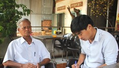 Gia Lai: Nhiều cán bộ lớn tuổi đi thi cùng con