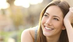 Phụ nữ thích được khen môi nhất?