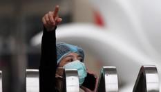 'Thổi giá', nhìn từ vụ AVG đến mua sắm thiết bị y tế