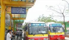Hà Nội 'đổi' quảng cáo lấy nhà chờ xe buýt: Nhiều câu hỏi cần trả lời