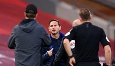 Cận cảnh Frank Lampard quát mắng ban huấn luyện Liverpool