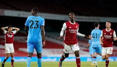 Nhọc nhằn hạ West Ham, Arsenal khởi đầu hoàn hảo