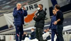 HLV Lampard và Mourinho cãi nhau nảy lửa bên ngoài đường pitch