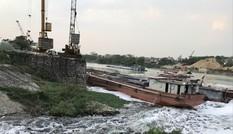 Nước đen hôi thối đe dọa nhà máy nước sạch