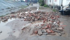 Đường nhằng nhịt 'ổ trâu' giữa Thủ đô: Dân mòn mỏi chờ sửa