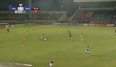 Pha đốt lưới nhà khó tin của cầu thủ Khánh Hòa