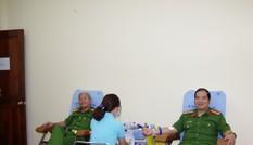 Văn phòng Cơ quan CSĐT Bộ Công an tích cực hiến máu cứu người