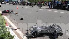 Xe máy chạy tốc độ 'xé gió' làm 3 người thương vong
