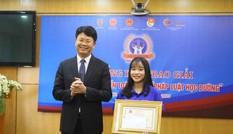 Nữ sinh Huế đạt giải nhất cuộc thi Pháp luật học đường