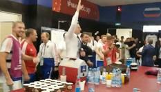 Hé lộ màn ăn mừng của tuyển Nga sau trận thắng Tây Ban Nha