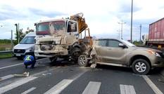 Cao tốc TP. HCM – Trung Lương kẹt xe nghiêm trọng sau tai nạn