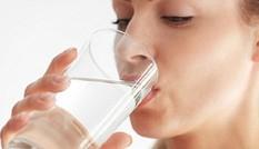 Không muốn hỏng hết gan thận thì đừng bao giờ uống nước kiểu này