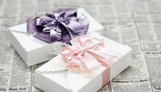 Sếp nhờ mua quà xịn rồi toàn 'quên' trả tiền, thư ký trẻ cạn ví không dám đòi