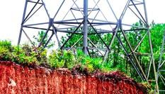 Đất lưới điện quốc gia thành nghĩa trang: Giật mình số lượng lăng mộ