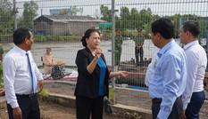 Chủ tịch Quốc hội Nguyễn Thị Kim Ngân thăm vùng căn cứ Tân Hưng