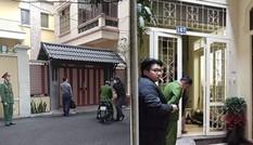 Cận cảnh khám xét nhà riêng hai cựu bộ trưởng