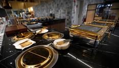 Showbiz 29/11: 'Bên trong khách sạn dát nhiều vàng nhất thế giới' ở Hà Nội lên báo Anh