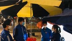 Áo xanh tình nguyện trực xuyên đêm nơi cửa ngõ Thủ đô
