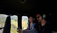 Du khách trải nghiệm vãn cảnh Tràng An bằng trực thăng