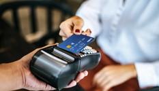 4 lý do bạn nên chuyển ngay việc dùng tiền mặt sang thanh toán bằng thẻ