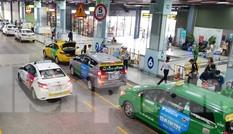 Chấn chỉnh tài xế taxi chê khách gần, làm giá ở sân bay Tân Sơn Nhất
