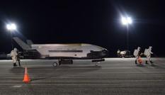 Máy bay vũ trụ tuyệt mật của Không quân Mỹ hạ cánh sau 2 năm trên quỹ đạo