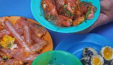 Thiên đường bánh tráng mix đủ vị, bánh Huế đậm đà và chả cá chiên homemade ngon trứ danh