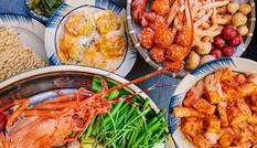 Ăn gì trưa nay: Gà cay phô mai và bò sốt trứng muối, bên nào… mập hơn?