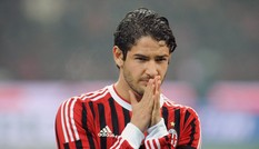 Gia nhập Chelsea, Pato nhận mức lương bèo bọt