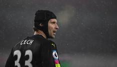 HLV Wenger 'trảm' Petr Cech vì mắc lỗi ngớ ngẩn