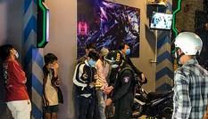 Bất chấp lệnh cấm, hơn chục game thủ tại Đà Nẵng vẫn 'cày' xuyên đêm