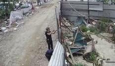 Điều tra nhóm côn đồ hành hung người dân giữa ban ngày ở Hà Nội
