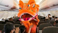 Jetstar Pacific tổ chức trung thu cho hành khách trên bầu trời