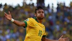 Chủ nhà Brasil nhảy lên thứ ba thế giới