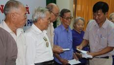 Các doanh nghiệp cùng Tiền Phong tặng quà cựu TNXP thời chống Pháp