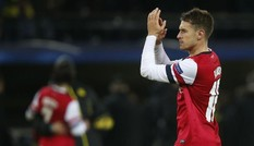 """Arsenal bỏ """"núi tiền"""" giữ chân Ramsey"""