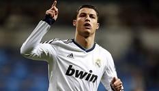 Ronaldo, ai giàu bằng anh