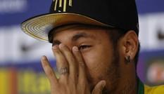 [ẢNH] Neymar khóc rưng rức trong ngày trở lại Selecao