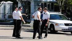 Mật vụ Mỹ để lọt kẻ có súng đi thang máy với Tổng thống Obama